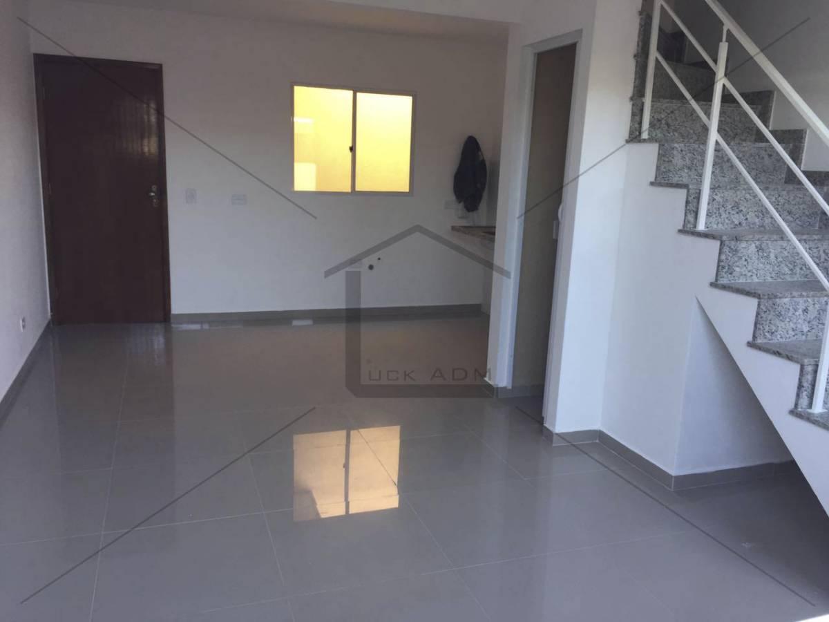 Casa em Condomínio Fechado em Itaquera, Próximo ao metrô