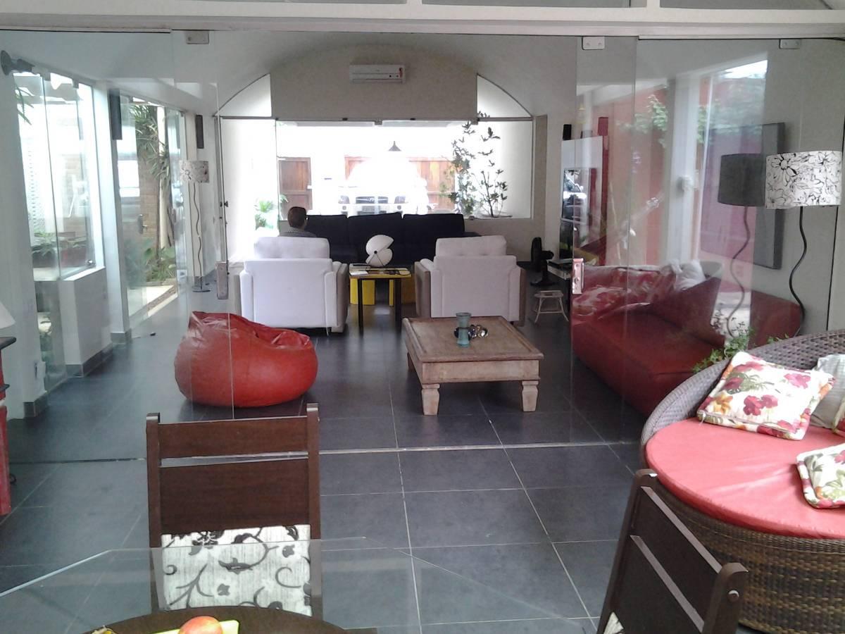 Casa com 3 Suítes na Praia do Lazaro-Ubatuba-SP.
