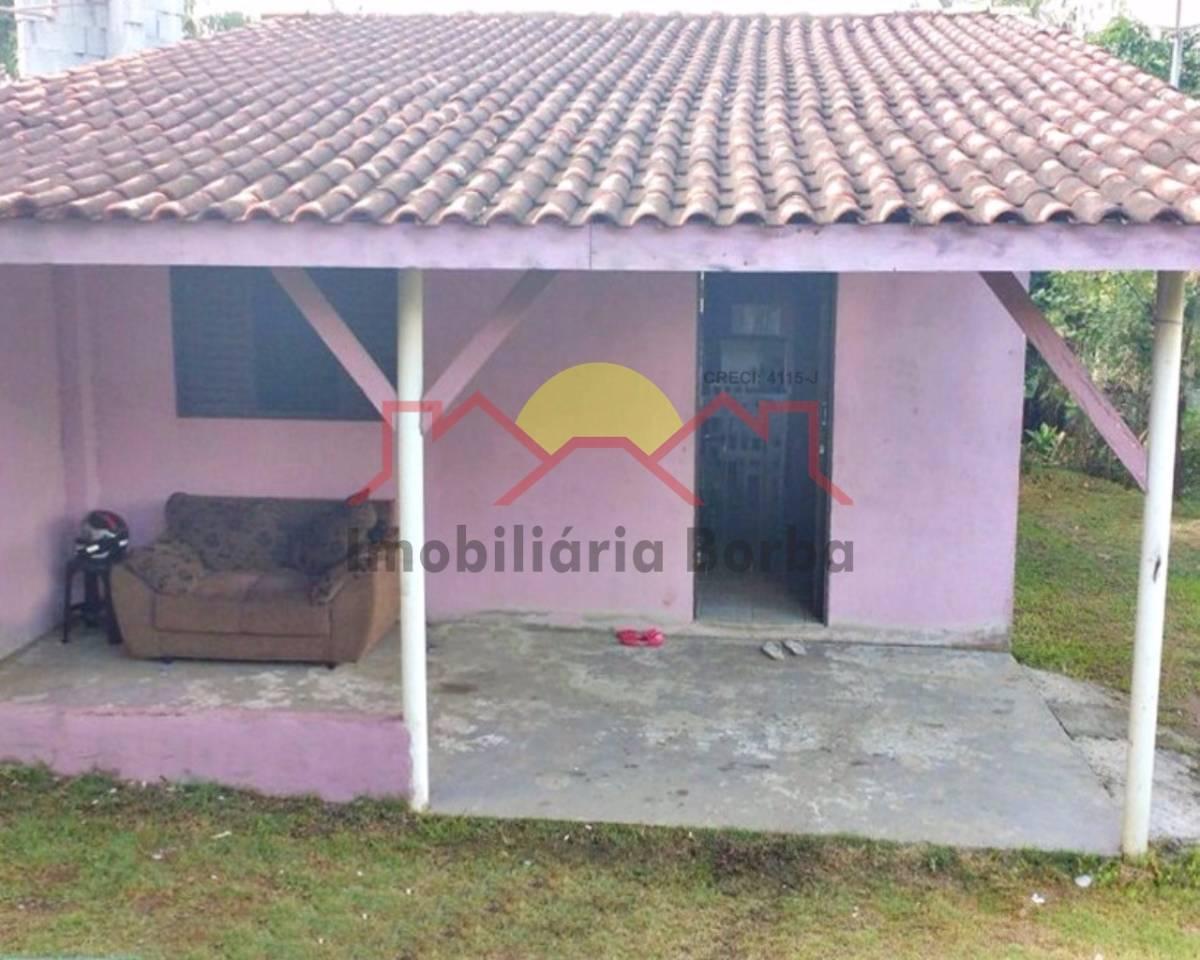 Casa Escriturada e Quitada com 2 Quartos no Paranaguamirim!