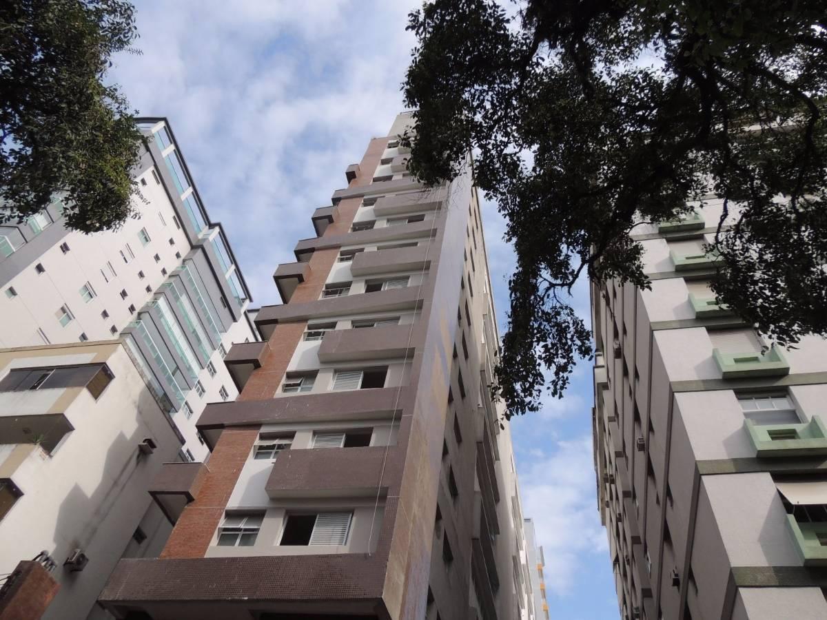 Apartamento em Santos na quadra da Praia no José Menino de 2 Dormitórios