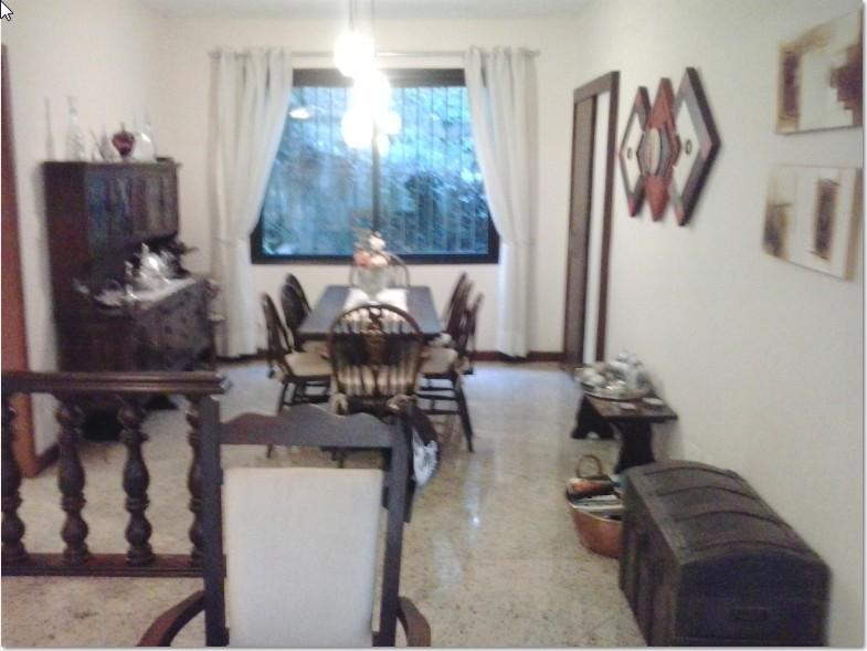 Maria Paula Casa tríplex,  de 350m² de área privativa, com 4 vagas coberta
