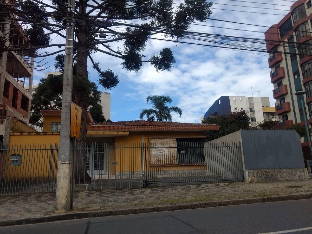 Casa comercial - Esquina ZR4 - Alto da Rua XV em Curitiba. Estuda permuta