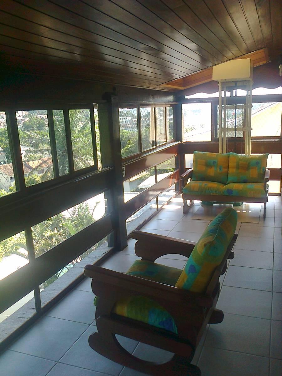 Ubá V, 2 casas mesmo terreno, casa 3 suítes, 2 vagas, 2ª casa,  piscina, sauna,