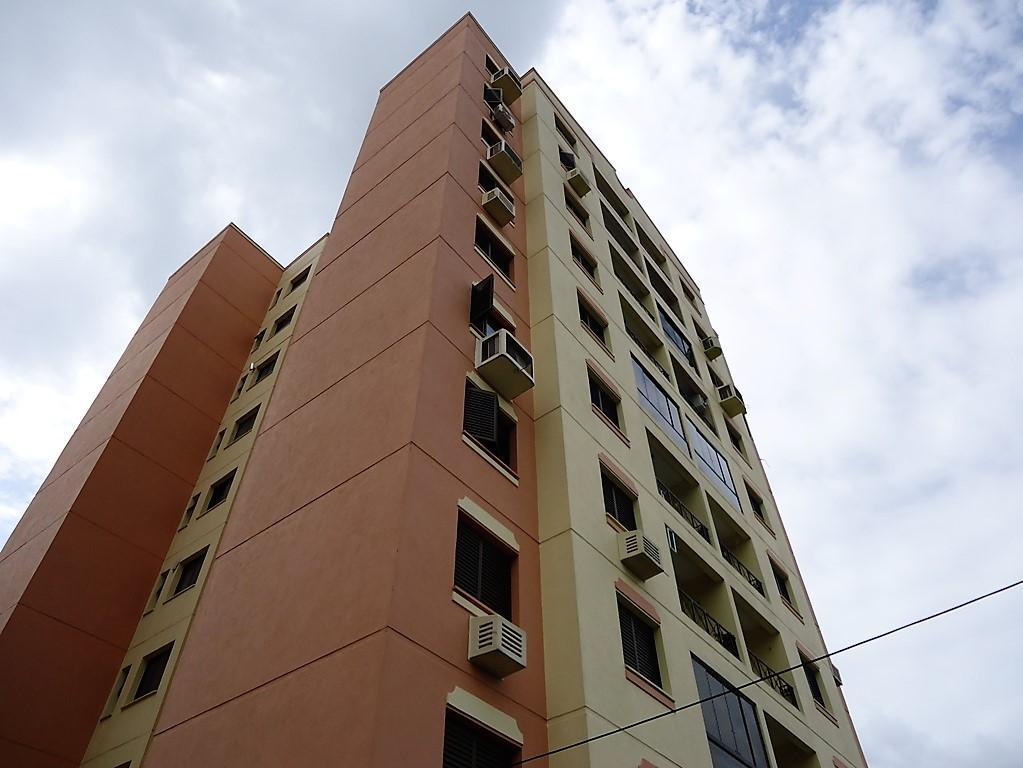 Apartamento à venda - em Protásio Alves