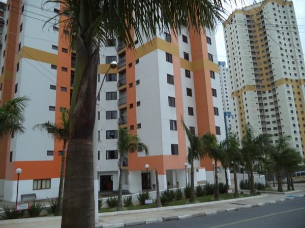 Condomínio Laranjeiras - Jardim Maria Rosa - próximo ao Centro Taboão