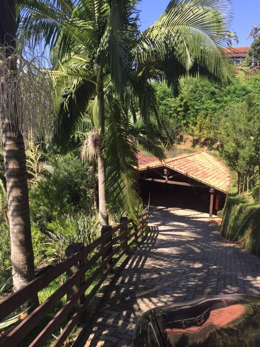 0126 - Chácara em Santa Isabel Fundo para Represa