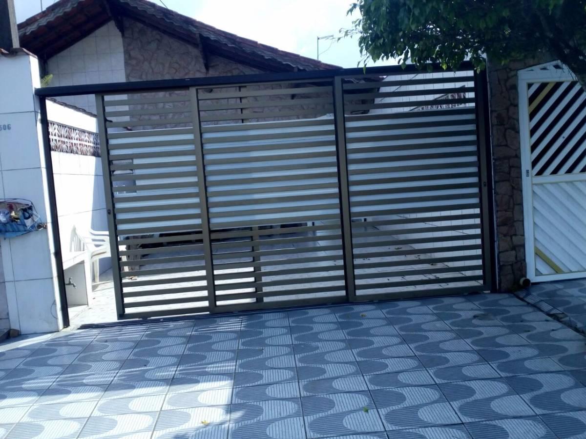 Casa 3 dormitórios - 1 suíte - Garagem 2 caros