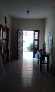Casa para venda possui 600 m2 e 3 quartos em Centro - Aracati - CE.