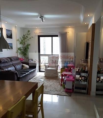3 dormitórios (1 suíte), sacada, 2 vagas, lazer, metrô Praça da Árvore