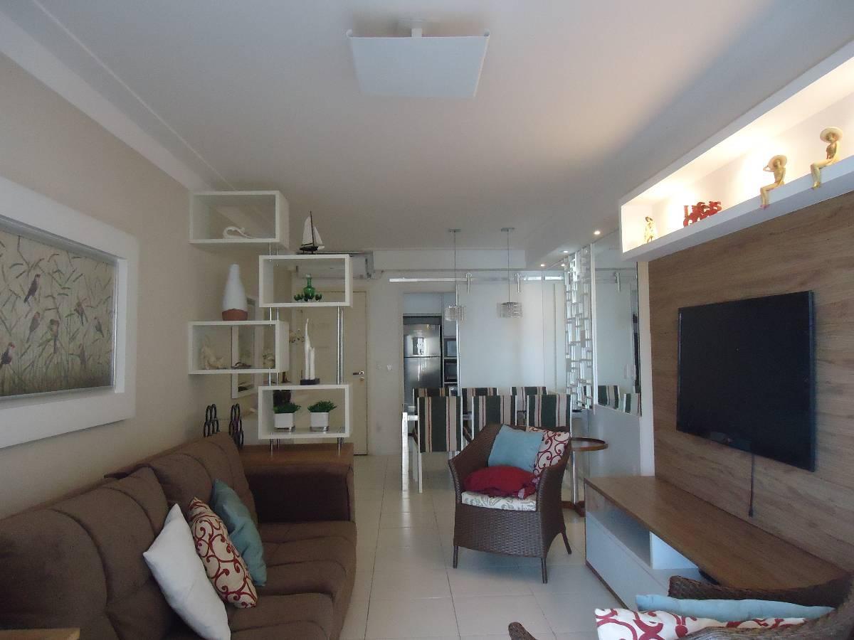 Apartamento mobiliado, 3 dorm, 1 suíte,  30m Praia das Pitangueiras, Guarujá