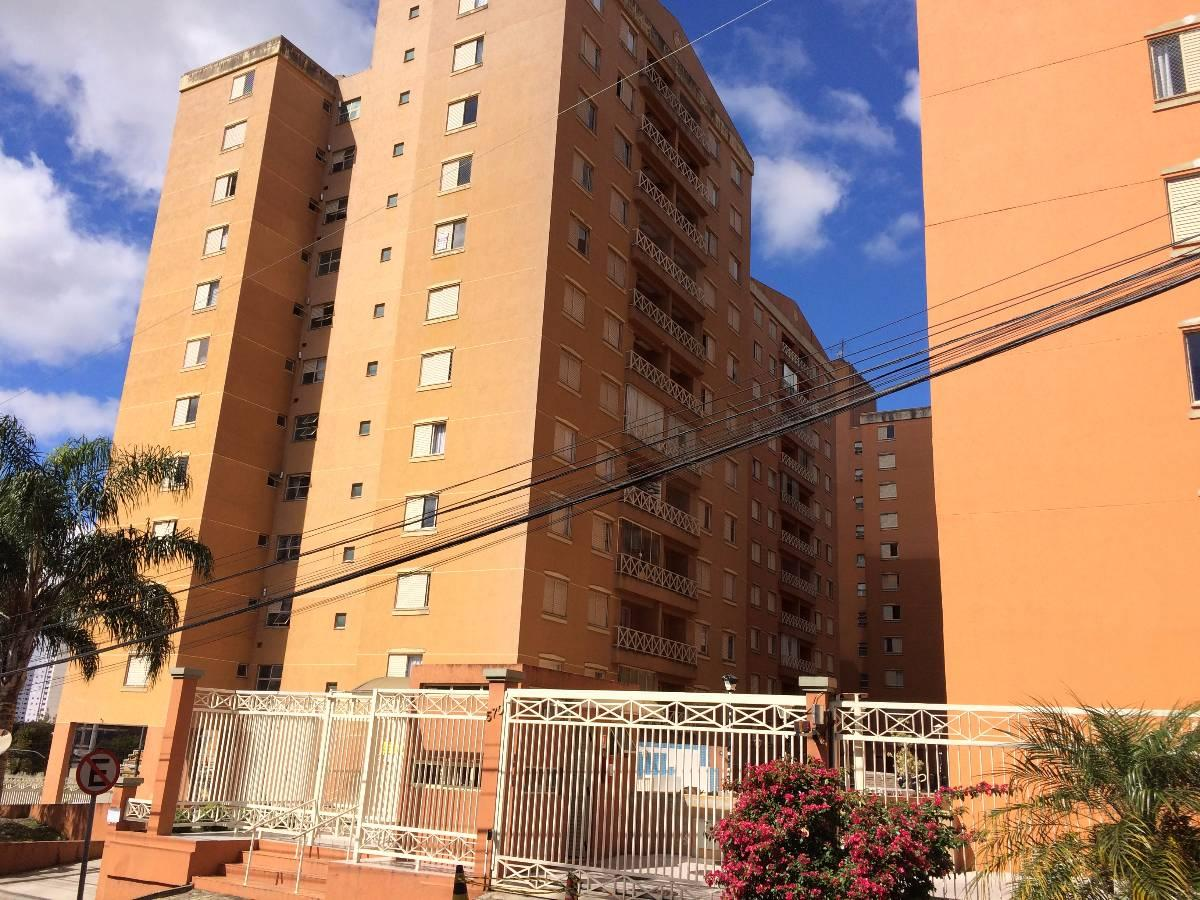 Apartamento Cabral andar alto e duas vagas