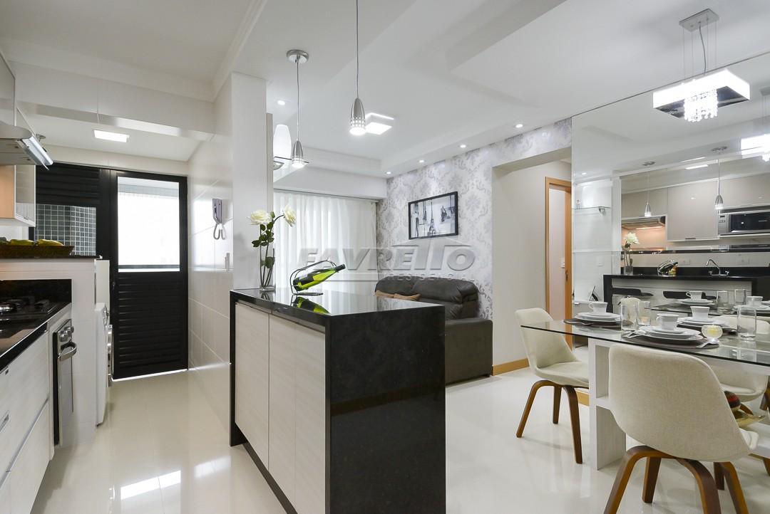 http://www.infocenterhost2.com.br/crm/fotosimovel/240304/71977956-apartamento-curitiba-agua-verde.jpg