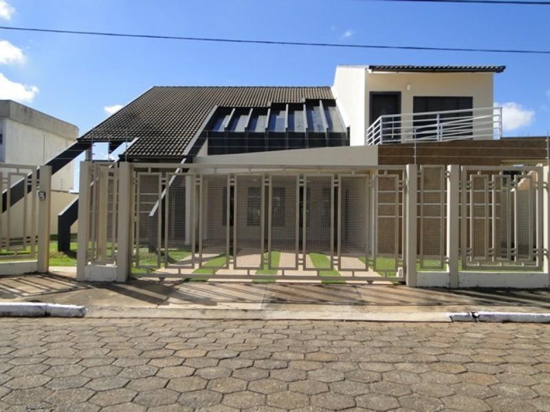 RUA 10 LINDO SOBRADO , 4 SUITES ALTO PADRÃO, LOTE 900 M2  QUADRA