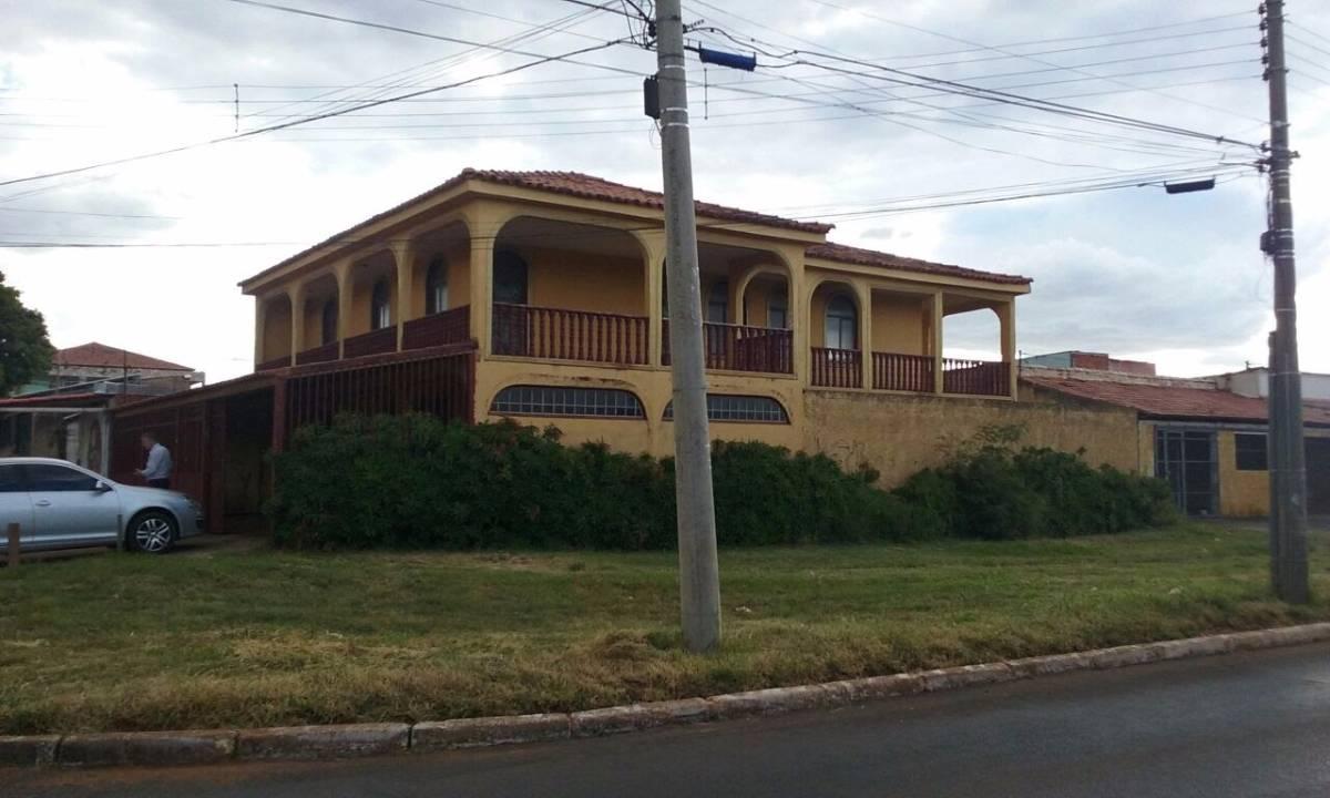 Casa de 9 quartos, Ceilândia