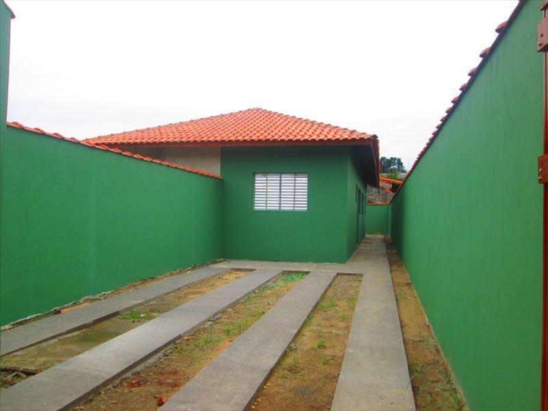 Casa nova na praia de Itanhaém - Financio e aceito auto