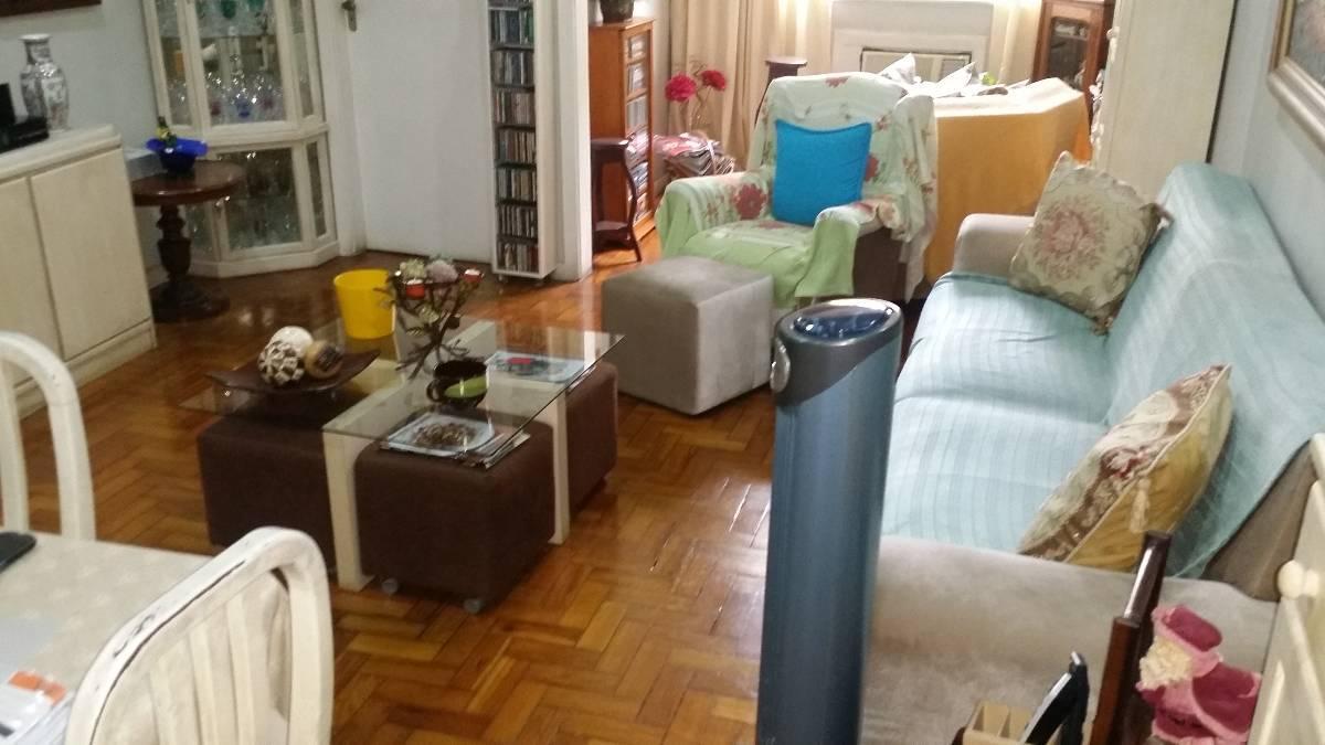 Oportunidade. Apartamento com sala em dois ambientes, três quartos bem espaçosos