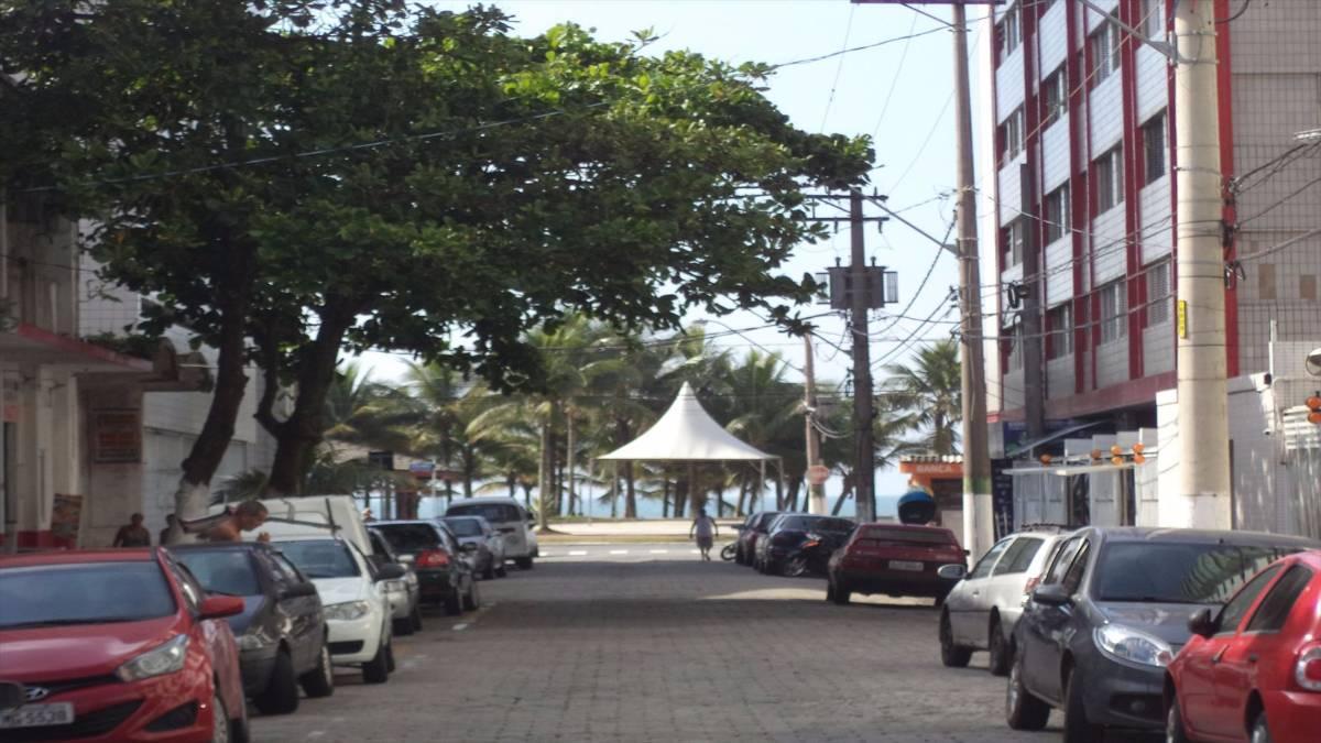 Kitenete na Praia Grande, próximo ao mar.