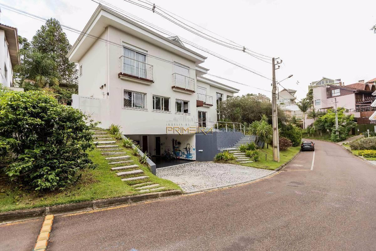 Vila Lobos - Casa alto padrão com 3 suítes e 6 vagas no Campo Comprido