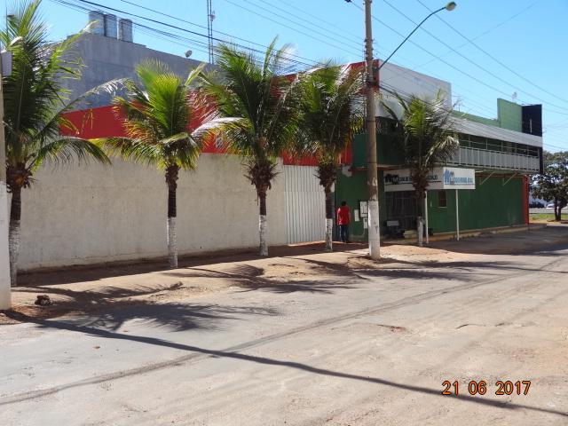PRÉDIO COMERCIAL , LOTE DE ESQUINA VAZADO, ÁREA CONSTRUÍDA 1.700m²!