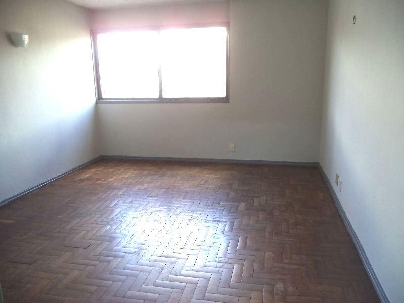 Amplo Apartamento na SHCES 609