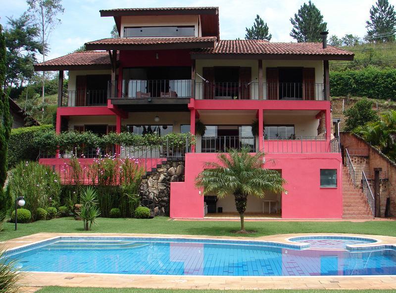 Casa para venda no Condomínio Alpes em Guararema - SP