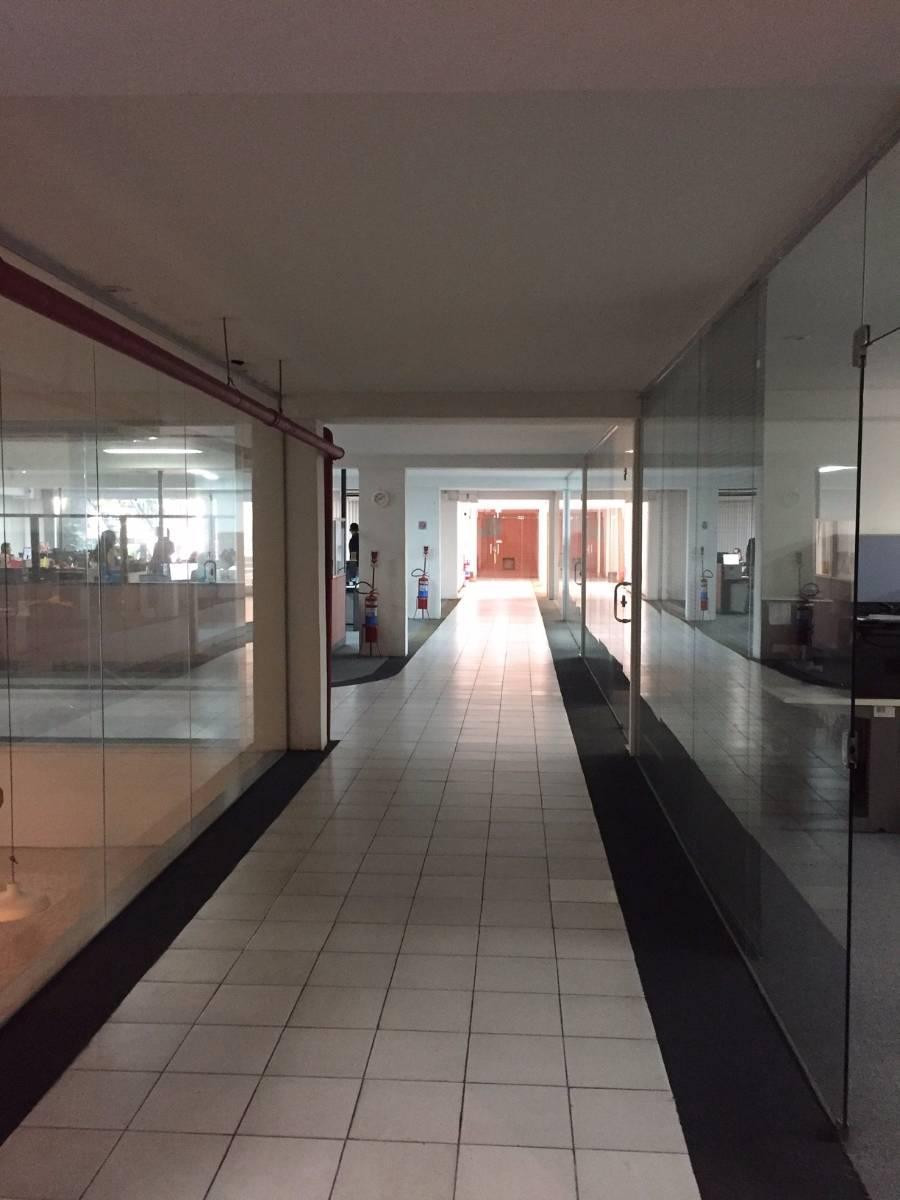 Aluguel de andar corporativo na Barra da Tijuca com 957m²