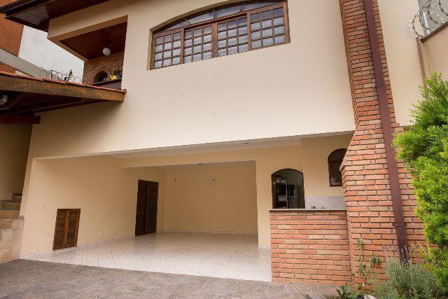 Casa para venda tem 250 metros quadrados e 3 quartos em Adalgisa - Osasco - SP.