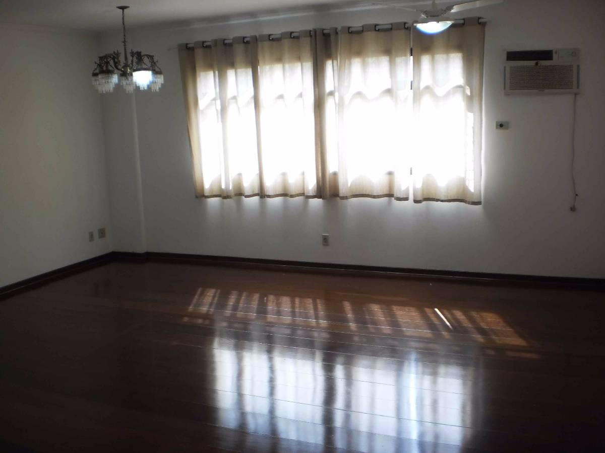 Apartamento 3 dormitórios, sendo 2 suítes. Ponta da Praia. Santos. SP.