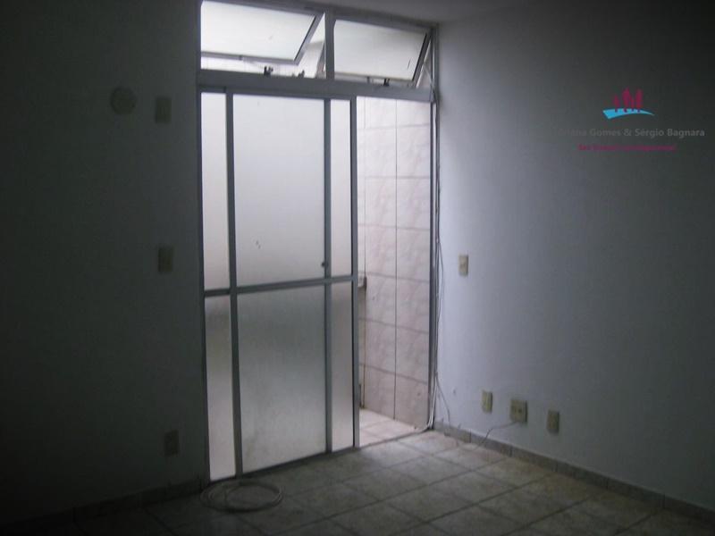Kitnet barata ar condicionado armários, Já alugada. Ótima  para investir!