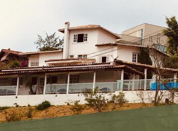 Casa · 261m² · 4 Quartos · 2 Vagas