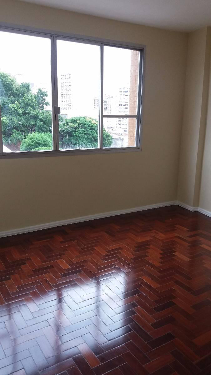 Apartamento 2 quartos quadra da praia de Icaraí, Rua Mariz e Barros