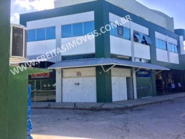 LOJA NO ÚNICO SHOPPING DE CAMBOINHAS, COM 45M² E PÉ DIREITO DE 6M.