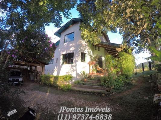 Chácara com 03 dormitórios sendo 1000 m² de terreno,Bragança Paulista/SP