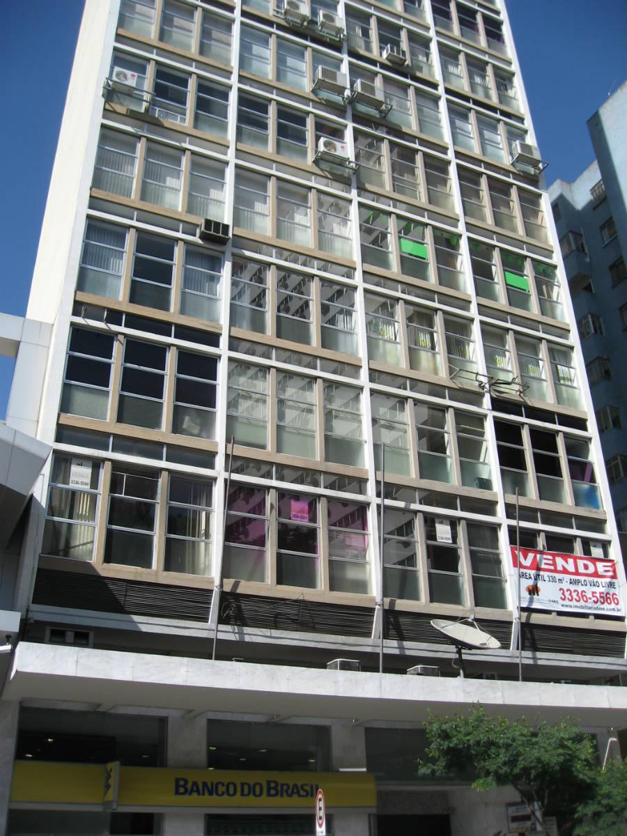 Conjunto comercial no Centro, 57m², uma vaga de garagem