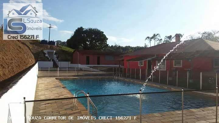 Chácara de 3000 m² em Pinhalzinho 4 dormitórios, 2 suítes com lago e piscina