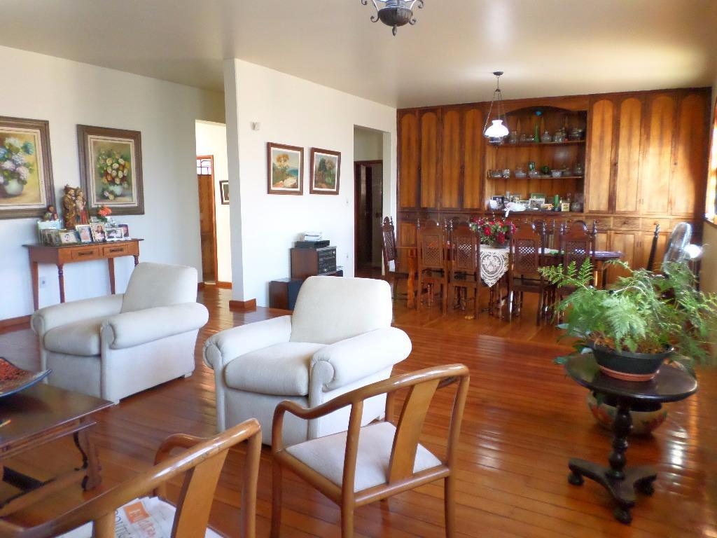 Casa à venda - em Santa Efigênia