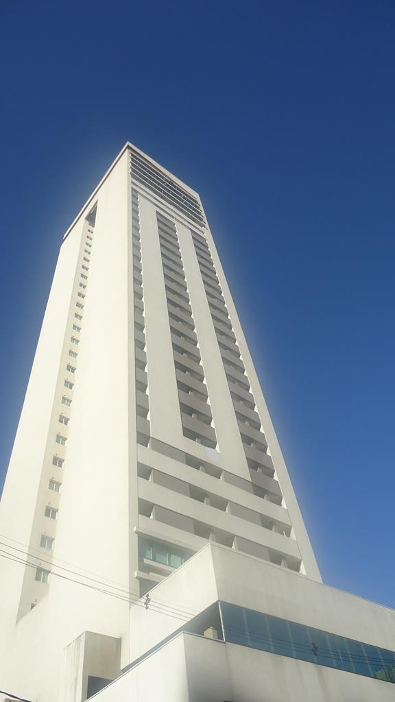http://www.infocenterhost2.com.br/crm/fotosimovel/274048/77602992-apartamento-curitiba-centro.jpg