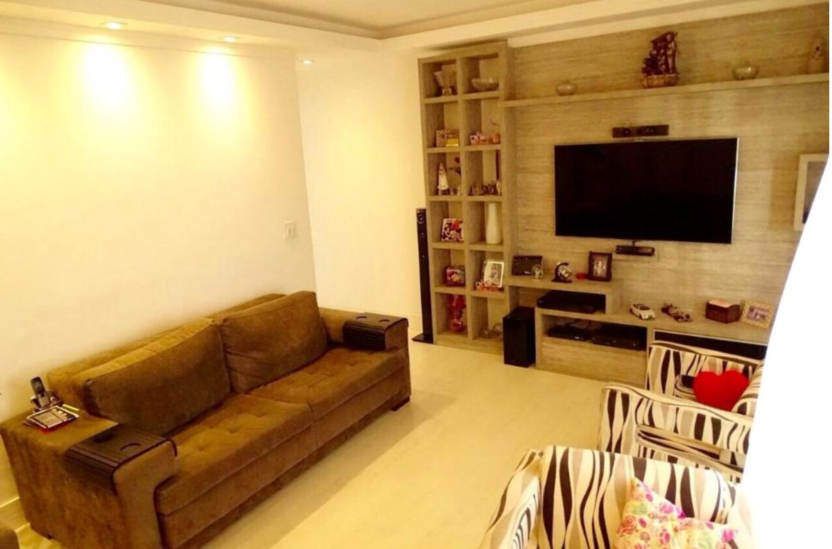 Excelente apartamento no Marapé - 2 Dormitórios - Todo Reformado.
