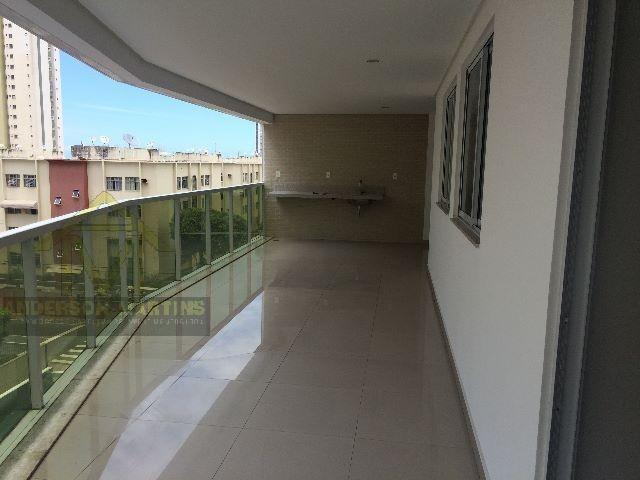 Apartamento em itapoã ed. Gold summer