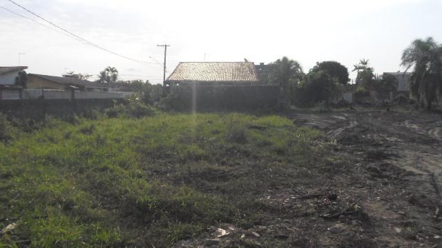 Ótimo terreno em Itanhaém a duas quadas da praia de 314 m²