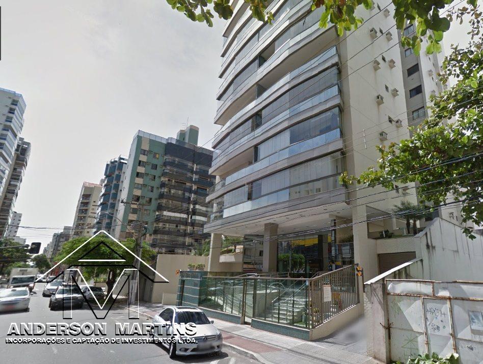 Apartamento de 3 quartos na Praia da Costa Ed. Maria Christina