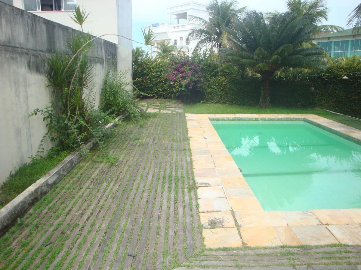 Casa no Picolé, ideal para reforma.
