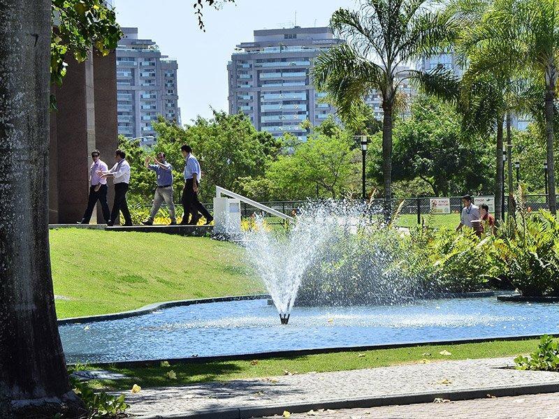 Aluguel de andar corporativo na Barra da Tijuca com 833m²