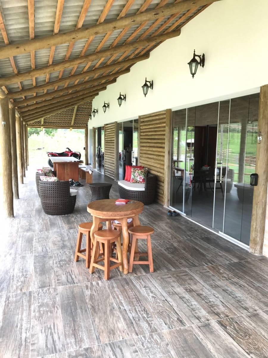 Fazenda regiao Minaçu Muita Cultura Riquissima Em Agua(ENGORDA DE BOI)