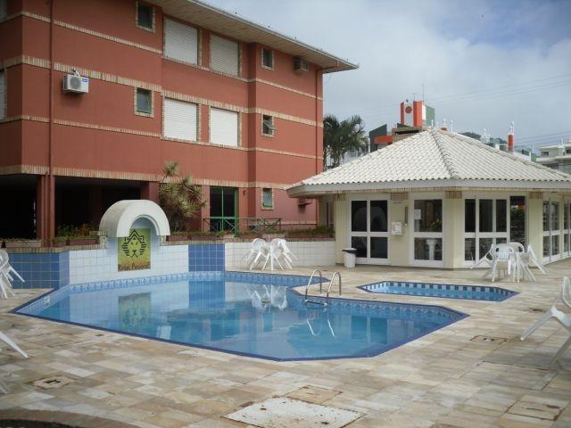 2326-6-1-piscina-salao-festas.jpg
