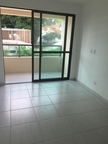 Apartamento novo no Iguatemi, 2/4 com suite e varanda, área de lazer completa.