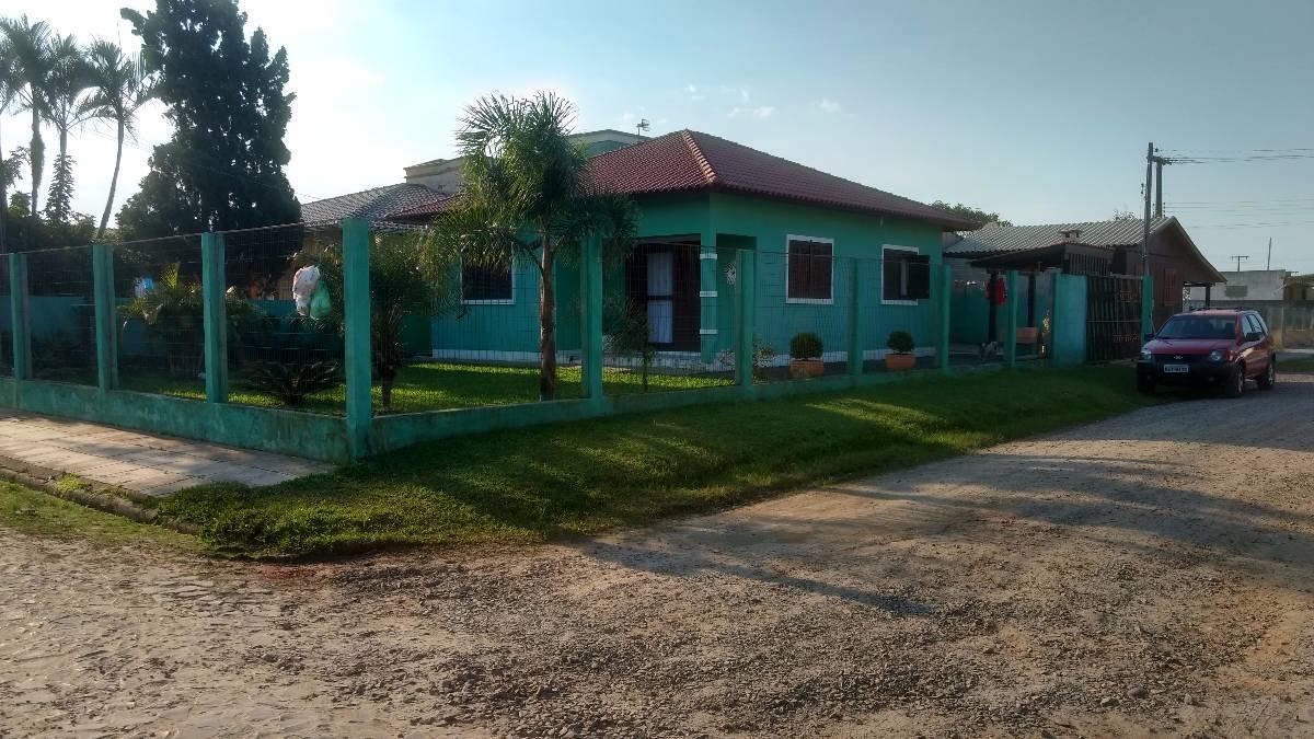 Linda casa de esquina - Itapuã (Centro) Balneário Gaivota - SC