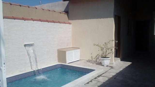 piscina c cascata