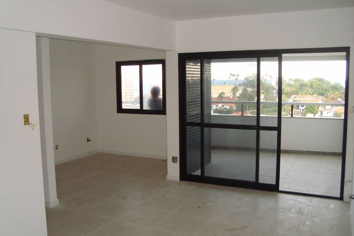 Apartamento 3 Quartos - Varanda - Duas Garagens - Nascente!!!