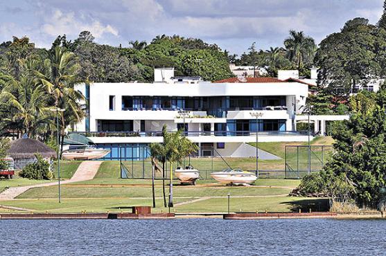 Casa para aluguel com 0 lago sul bras lia r for Casa sul lago a 2 piani